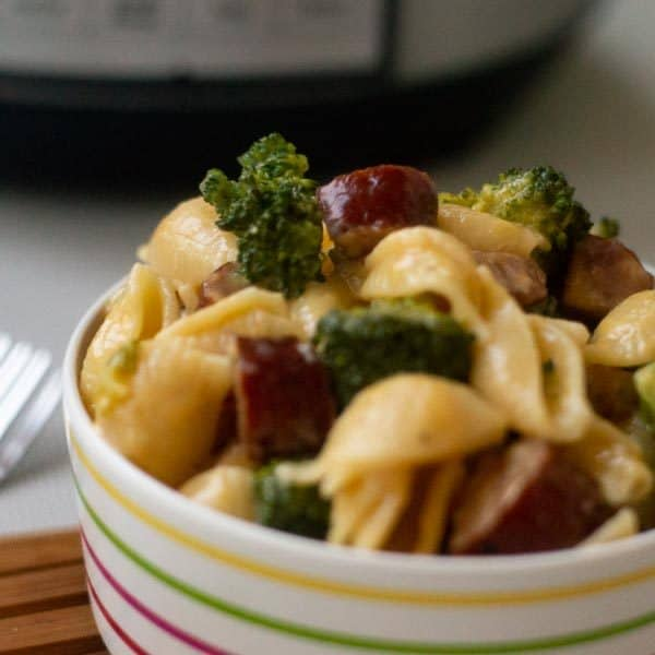 30 Minute Instant Pot Broccoli Mac and Cheese